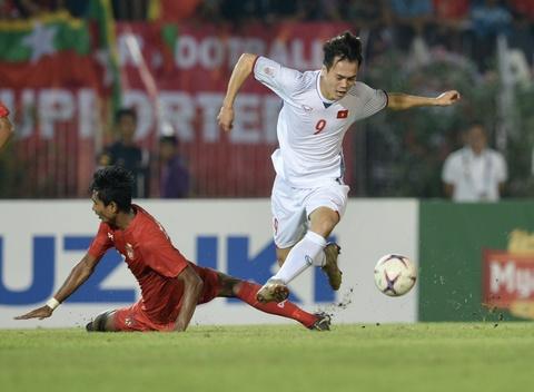 Tuyen Viet Nam nhan tin vui truoc them ban ket AFF Cup hinh anh