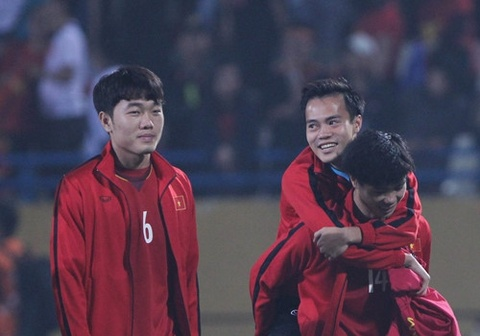 Xuan Truong, Duc Huy 'tam bo' cho Van Toan sau chan thuong hinh anh