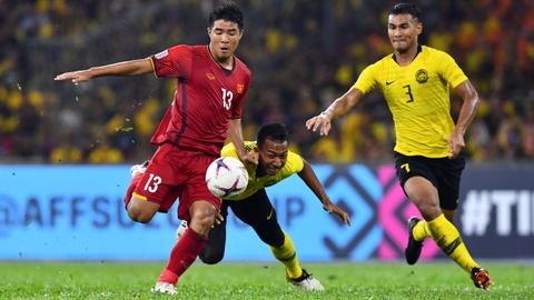 Từ khán đài sân Bukit Jalil, CĐV lên tiếng bảo vệ Hà Đức Chinh