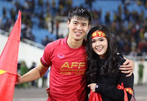 HLV Park Hang-seo khong cam duoc nuoc mat sau chuc vo dich AFF Cup hinh anh 9