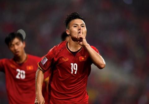 Quang Hải nhận danh hiệu 'Cầu thủ hay nhất AFF Cup 2018'