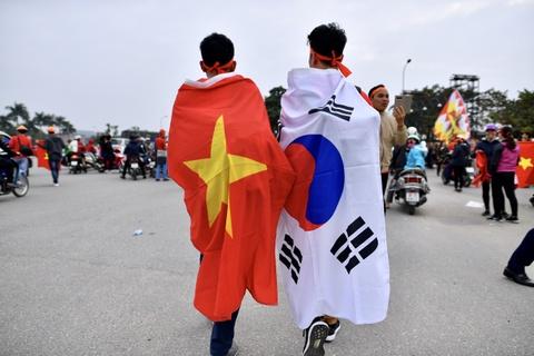 Khong khi soi dong tai san My Dinh truoc tran Viet Nam gap Malaysia hinh anh 2