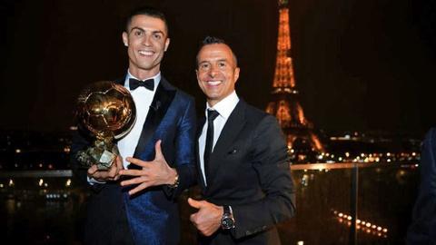 'Sieu co' Mendes tiet lo Ronaldo yeu cau chuyen den Juventus hinh anh