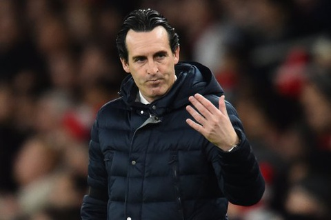 HLV Emery dap tra nguoi ham mo Arsenal sau khi bi la o hinh anh