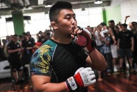 Tu Hieu Dong: 'Vo thuat Trung Quoc chi bang mot goc MMA' hinh anh