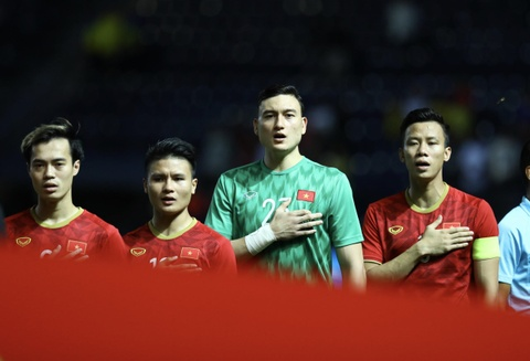 Que Ngoc Hai doi thay Park vao bang duoc chung ket Kings Cup hinh anh 3