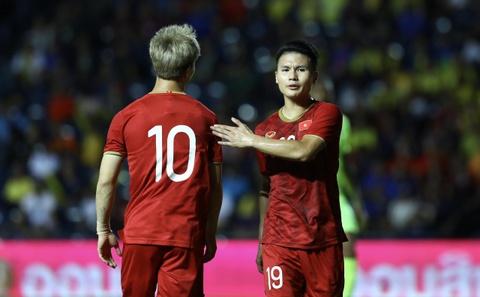 Que Ngoc Hai doi thay Park vao bang duoc chung ket Kings Cup hinh anh 1