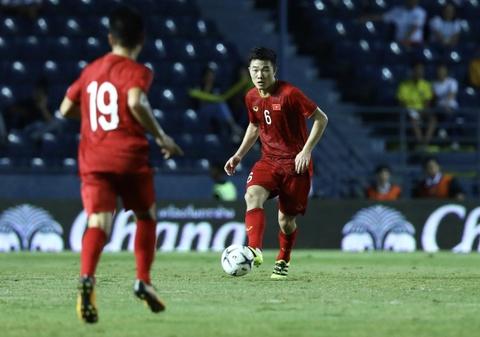 Que Ngoc Hai doi thay Park vao bang duoc chung ket Kings Cup hinh anh 2