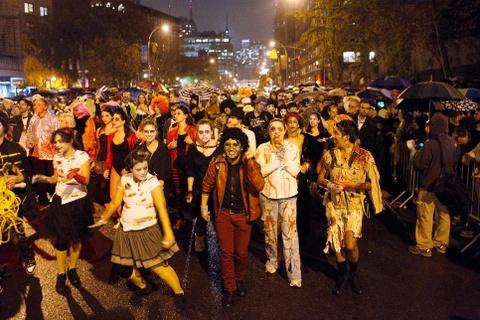 Xuong trang va da xoa dieu hanh tai New York trong dem Halloween hinh anh 4