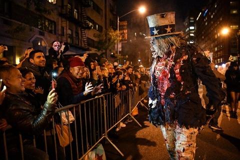 Xuong trang va da xoa dieu hanh tai New York trong dem Halloween hinh anh 3