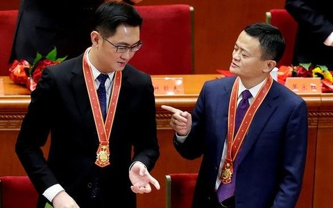 Tỷ phú nào được chính quyền Trung Quốc ghi công tiên phong cải cách?