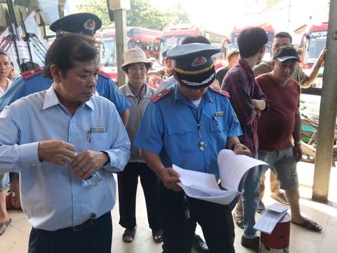 Loạn giá cận Tết, Thanh tra Sở Giao thông 'đột kích' bến xe miền Đông