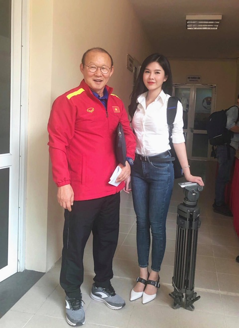 MC the thao xinh dep mong Viet Nam choi thuc dung de chien thang hinh anh 1