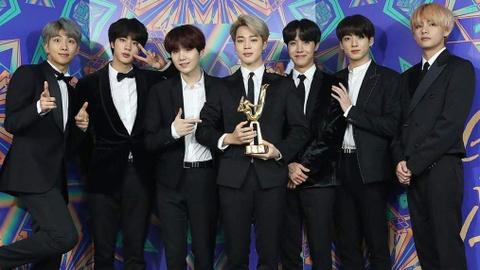 BTS lay lai vi the, chien thang hang muc lon tai Grammy Han Quoc hinh anh