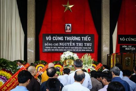 Khoanh khac lang long tai le vieng ba Nguyen Thi Thu hinh anh