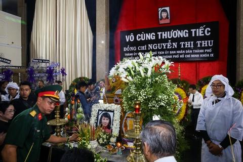 Xuc dong tien dua Pho chu tich UBND Nguyen Thi Thu ve que nha hinh anh