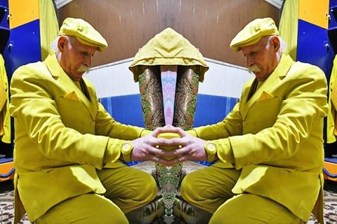 Người đàn ông mặc màu vàng 35 năm bất chấp những đe doạ bị bắt giam