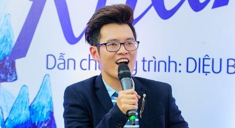 Nha van Anh Khang ra mat sach moi o Hoi sach TP HCM hinh anh