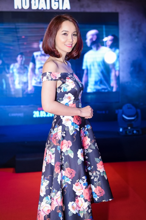 MC Ky Duyen hon Truong Quynh Anh tren tham do ra mat phim hinh anh 8