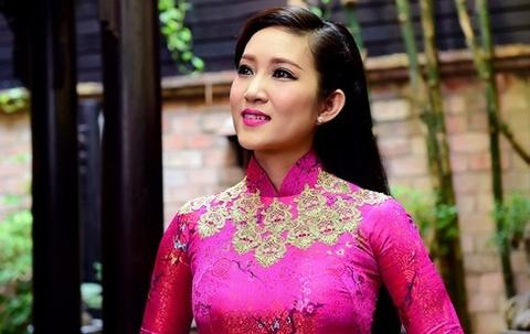 Thanh Thuy: 'Ca hat va lam chinh tri khong xung dot' hinh anh