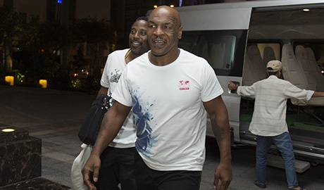 mike tyson den viet nam dong phim hinh anh