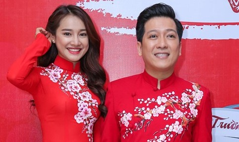 Nha Phuong cham soc Truong Giang trong hau truong live show hinh anh