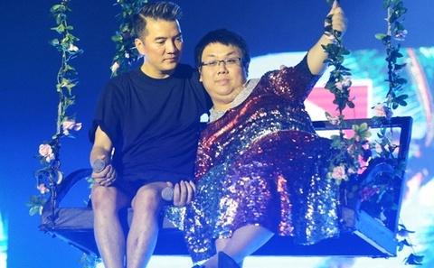 Mr. Dam dong hai, Hoai Linh hat Bolero trong Cuoi xuyen Viet hinh anh