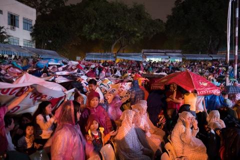 4.000 khan gia doi mua xem show Tran Thanh, Truong Giang hinh anh 2