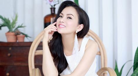 Ha Phuong len tieng ve tin mau thuan voi chi gai Cam Ly hinh anh