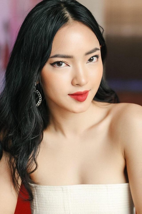 Hot girl Chau Bui: 'Toi thich lam dep va dam me kiem tien' hinh anh 3