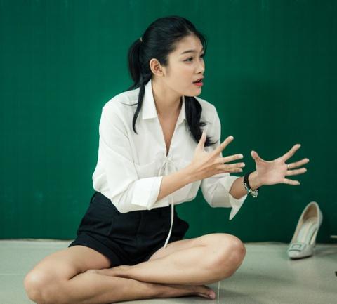 Viet Trinh diu dang ben ban trai Hoang Oanh trong ngay casting phim hinh anh 5
