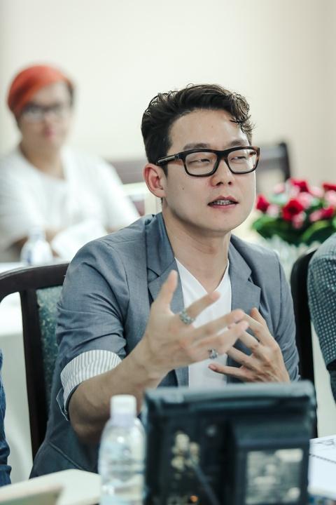 Viet Trinh diu dang ben ban trai Hoang Oanh trong ngay casting phim hinh anh 8