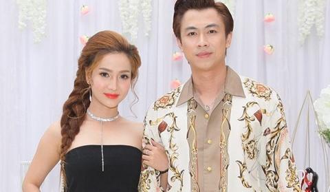 Ho Viet Trung lan dau ke ve moi tinh 3 nam voi hot girl hinh anh