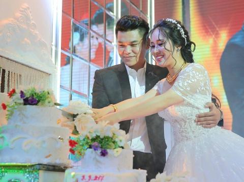 Ngan Khanh du tiec cuoi Le Phuong o Tra Vinh sau 2 nam roi showbiz hinh anh 10