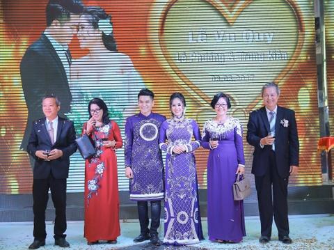 Ngan Khanh du tiec cuoi Le Phuong o Tra Vinh sau 2 nam roi showbiz hinh anh 9