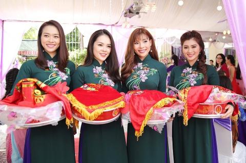 Dan dien vien ve Tra Vinh du le cuoi Le Phuong hinh anh 8