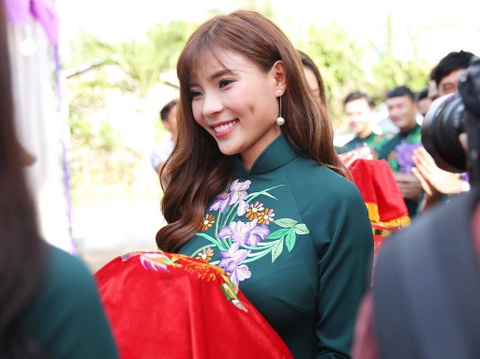 Dan dien vien ve Tra Vinh du le cuoi Le Phuong hinh anh 6