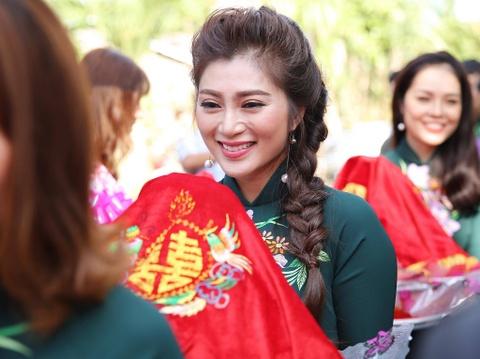 Dan dien vien ve Tra Vinh du le cuoi Le Phuong hinh anh 7