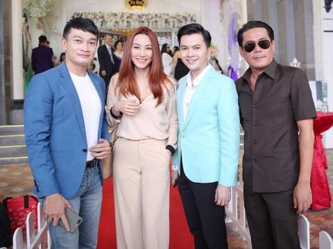 Ngan Khanh du tiec cuoi Le Phuong o Tra Vinh sau 2 nam roi showbiz hinh anh 3
