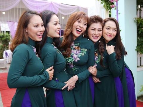 Dan dien vien ve Tra Vinh du le cuoi Le Phuong hinh anh 9