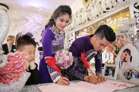 Ngan Khanh du tiec cuoi Le Phuong o Tra Vinh sau 2 nam roi showbiz hinh anh 1