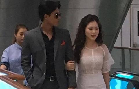 Huong Tram va nam chinh MV 'Em gai mua' quan quyt khong roi hinh anh