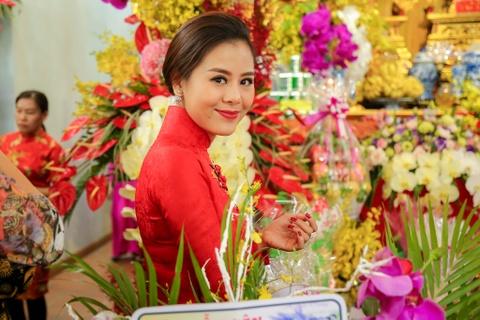 Dan sao Viet va hang nghin khan gia ve den tho cua Hoai Linh cung To hinh anh 7