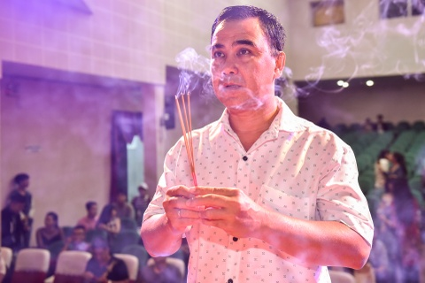 Ngoc Son, Tran Thanh hoi ngo trong le cung To o san khau kich Hong Van hinh anh 2