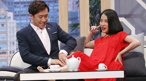 Tran Thanh than thiet voi tinh cu Mai Ho o game show hinh anh