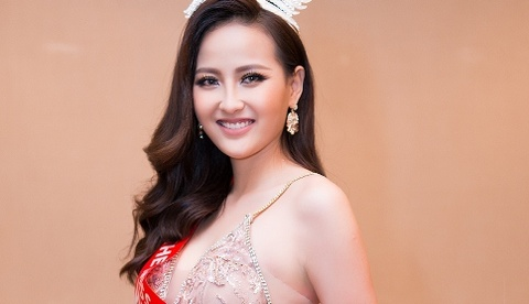 Khanh Ngan len tieng ve tin mua giai Hoa hau Hoan cau 2017 hinh anh