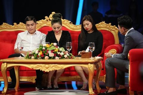 Le Giang ke bi Duy Phuong bao hanh, nem tu cau thang xuong dat hinh anh 3