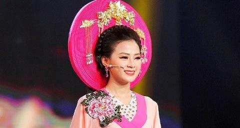 Quy Binh thua nhan 'chet' vi ve dep cua thien than Bolero Thien Huong hinh anh