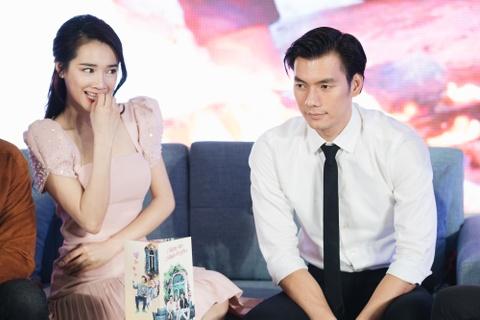 Nhan Phuc Vinh: 'Nha Phuong da sam so toi khi dong phim chung' hinh anh 5