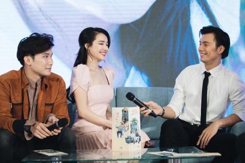 Nhan Phuc Vinh: 'Nha Phuong da sam so toi khi dong phim chung' hinh anh 4